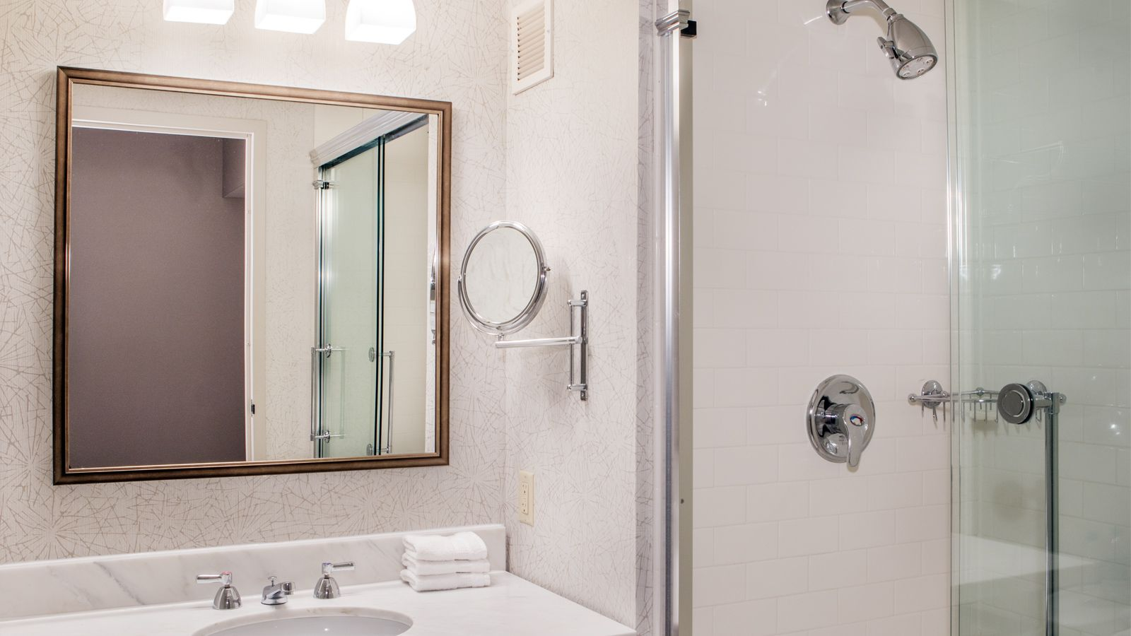 Newly Renovated Guest Bathroom | Sheraton Baltimore Washington Airport Hotel