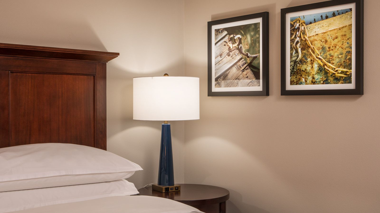 Baltimore Hotel Room – Accessible Room